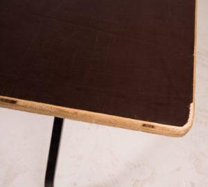 Form ply folding table corner